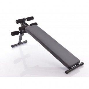 Atsilenkimų suoliukas pilvo raumenims treniruoti