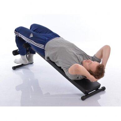 Atsilenkimų suoliukas pilvo raumenims treniruoti 8